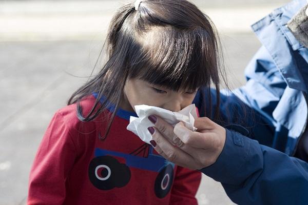 8 việc bố mẹ có thể làm để con không bị cảm cúm mùa lạnh 1