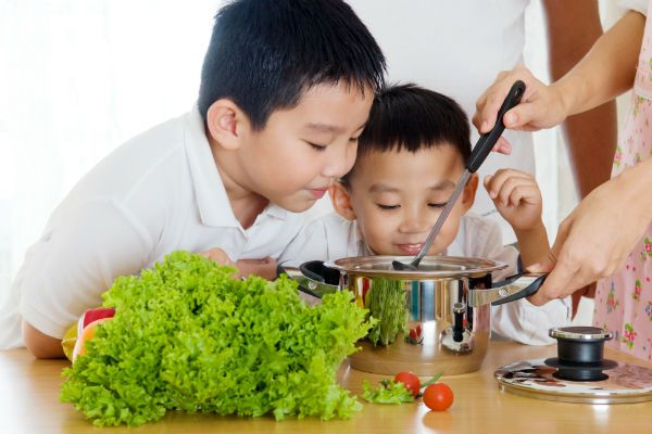 Gợi ý mẹ chọn loại rau phù hợp với độ tuổi của bé   2