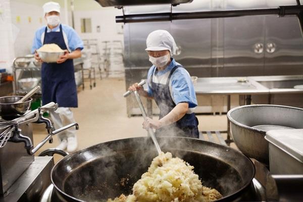 Những bài học trẻ em Nhật Bản được dạy từ bữa ăn trưa ở trường 2