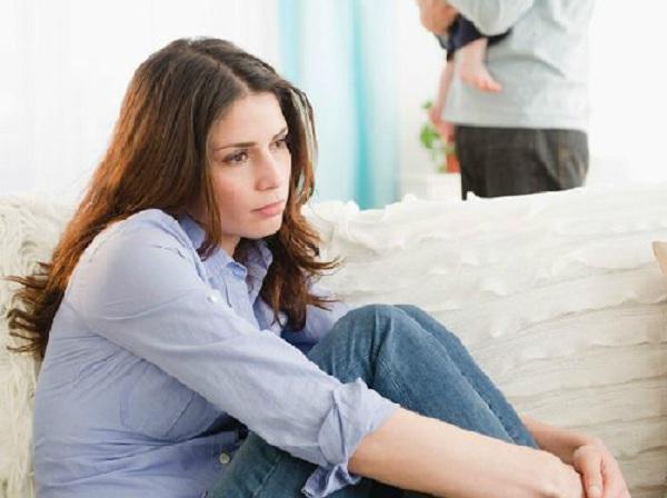 chồng nghiện game