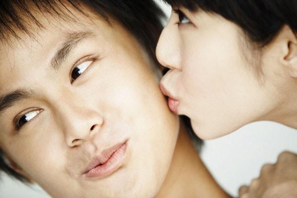 """7 khoảnh khắc """"chuẩn nhất"""" để trao nụ hôn ngọt ngào cho bạn trai 1"""