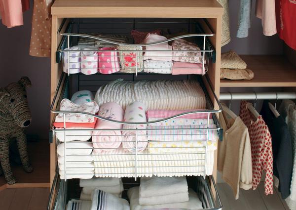 """Những mẹo nhỏ """"quy hoạch"""" tủ quần áo của bé sạch, đẹp, ngăn nắp 4"""
