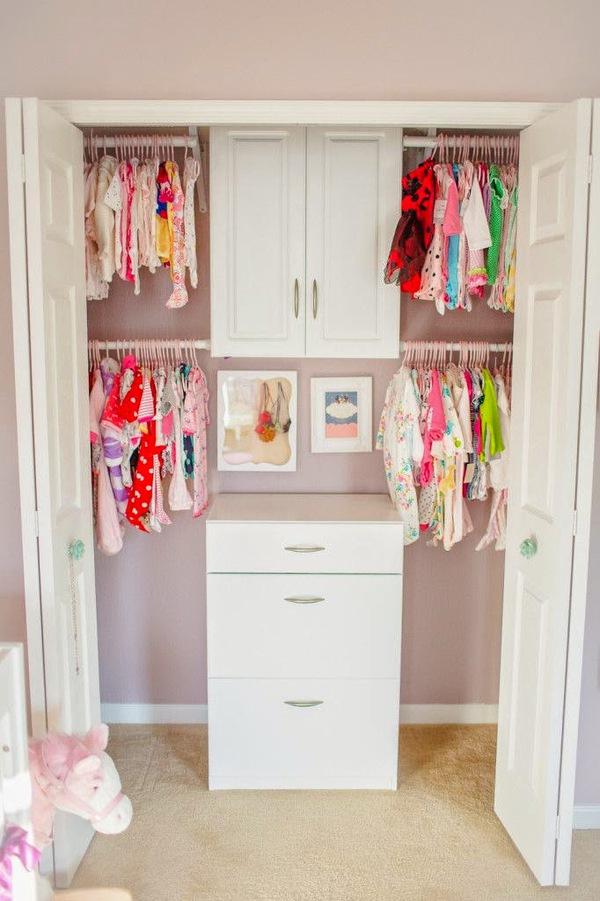 """Những mẹo nhỏ """"quy hoạch"""" tủ quần áo của bé sạch, đẹp, ngăn nắp 9"""