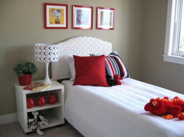 Tạo điểm nhấn cho không gian bằng khung tranh treo tường màu đỏ 4