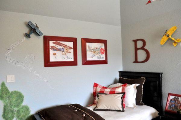 Tạo điểm nhấn cho không gian bằng khung tranh treo tường màu đỏ 5