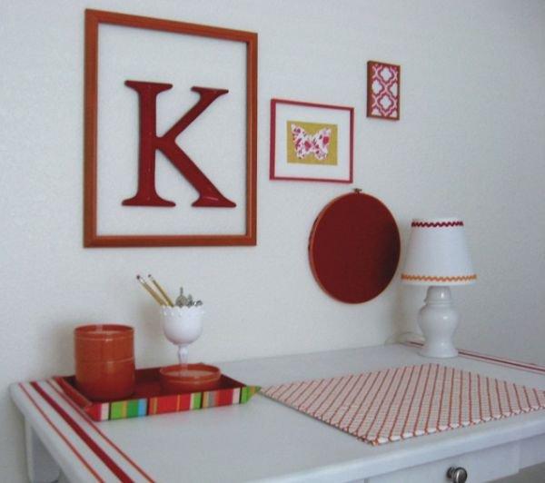 Tạo điểm nhấn cho không gian bằng khung tranh treo tường màu đỏ 3