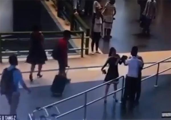 nhân viên hàng không