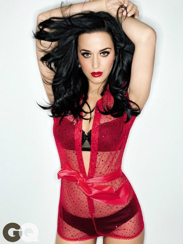 Katy Perry từng cầu nguyện để được có... ngực khủng 3
