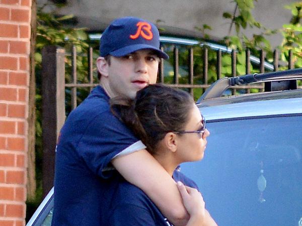 Ashton Kutcher đã chính thức đính hôn