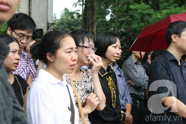 Nước mắt hòa mưa, tiễn đưa 18 chiến sĩ về nơi đất mẹ 6