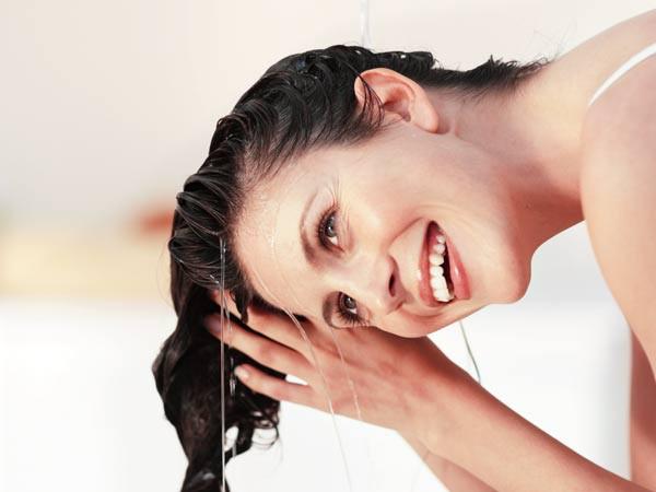 Ngày mưa gió tranh thủ dưỡng da & tóc toàn diện 4