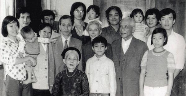 Gia đình Việt ngày ấy - bây giờ 7