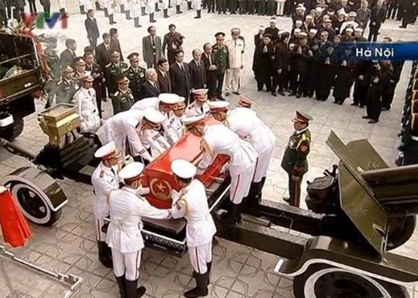 Đại tướng Võ Nguyên Giáp đã yên nghỉ trong lòng đất Mẹ 18