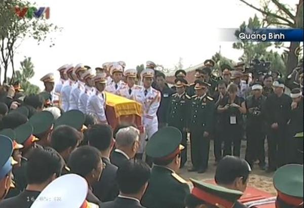 Đại tướng Võ Nguyên Giáp đã yên nghỉ trong lòng đất Mẹ 110
