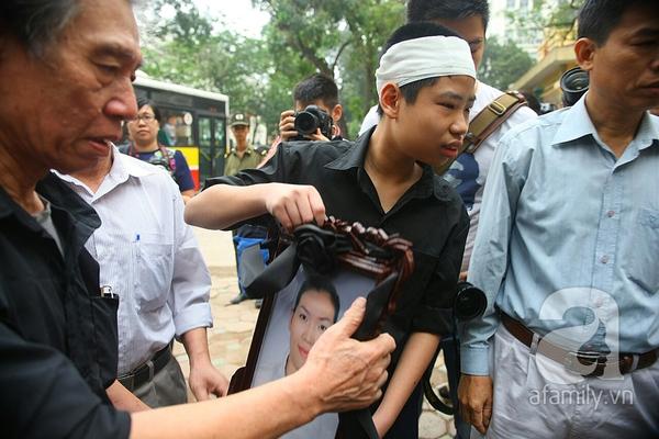 Toàn cảnh phiên tòa xét xử vụ án Thẩm mỹ viện Cát Tường làm chết người, ném xác 25