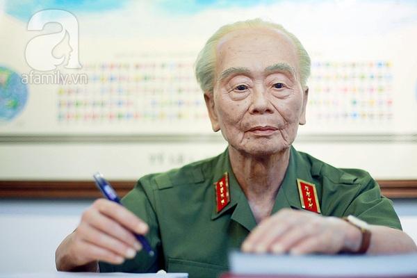 Đại tướng Võ Nguyên Giáp vẫn còn nơi đây 16