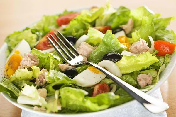 Công dụng của 7 chất dinh dưỡng trong rau diếp làm bạn ngạc nhiên 2