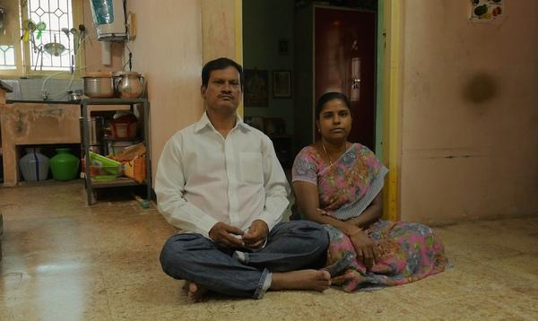 Cai Kết Bất Ngờ Của Người đan Ong Bị Am ảnh Vi Miếng Băng Vệ Sinh Cho Vợ