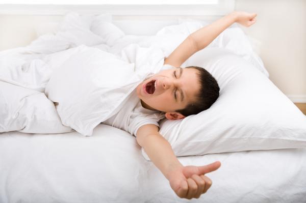 Đánh thức con dậy sớm