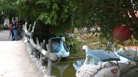 Hai bé gái chết đuối trong khu sinh thái ở Hà Nội 1