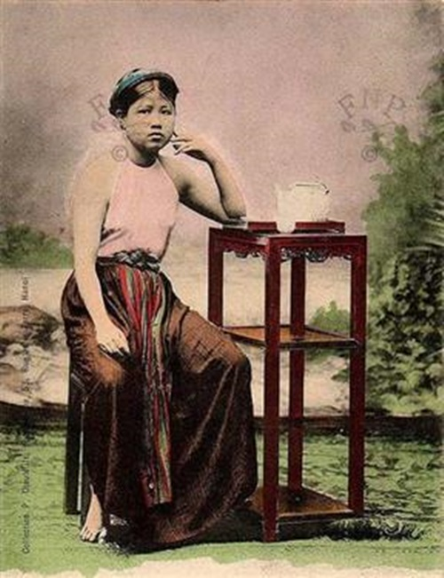 Ngẩn ngơ ngắm thiếu nữ Việt xưa mặc áo yếm khoe lưng ong 9