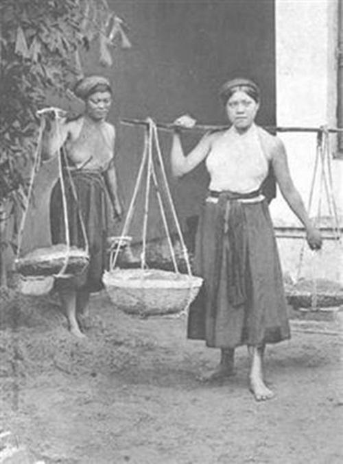 Ngẩn ngơ ngắm thiếu nữ Việt xưa mặc áo yếm khoe lưng ong 14