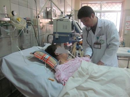 Cứu bé trai mắc viêm não do virus Herpes suýt chết 1
