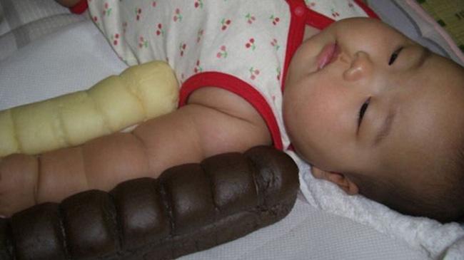 Không thể cưỡng lại độ dễ thương của trào lưu cánh tay ú nần của con nít như ổ bánh mỳ ở Nhật - Ảnh 5.