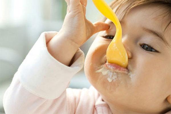 Lý do bé nên ăn sữa chua mỗi ngày