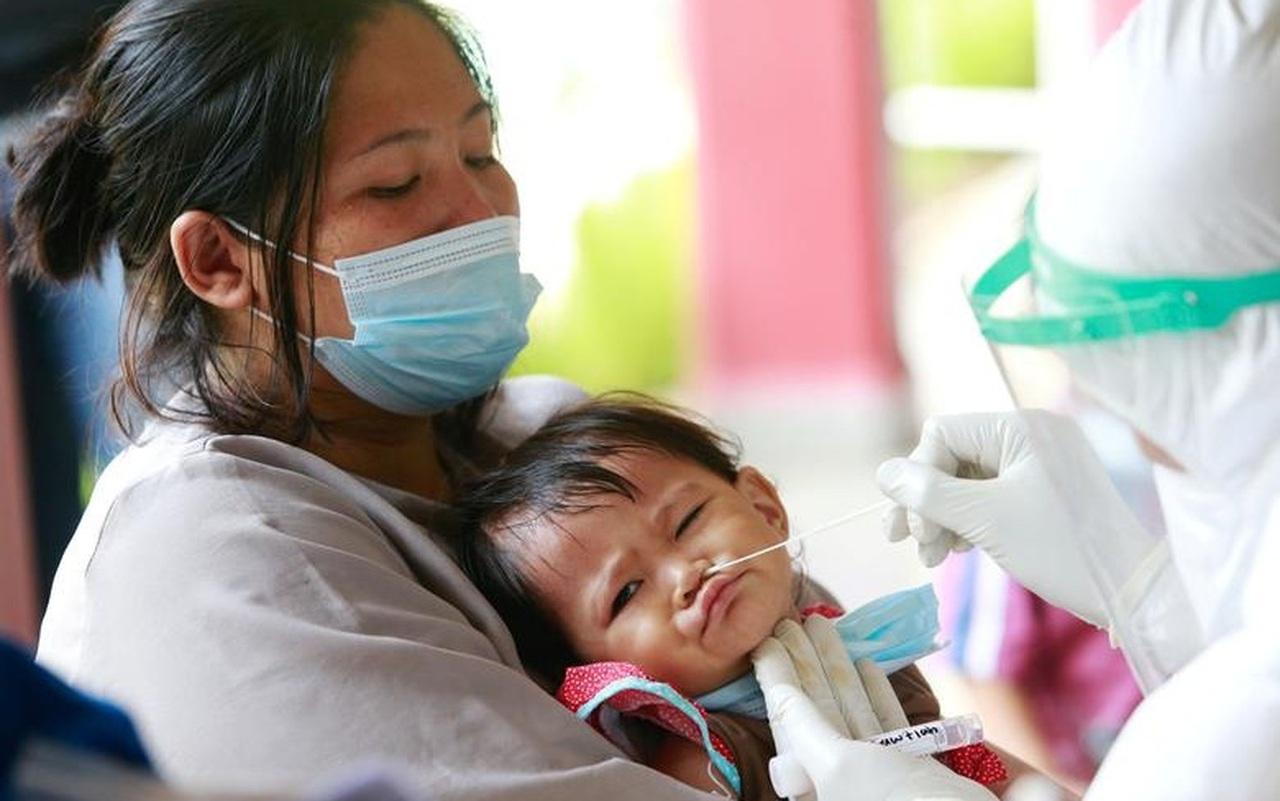 Chuyên gia Nhi khoa mách các mẹ 5 nhóm thuốc cần chuẩn bị cho bé trong mùa dịch Covid-19