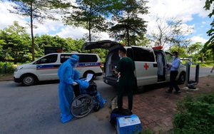Bệnh nhân Covid-19 nguy kịch thứ 12 sau 34 ngày điều trị tại BV Bệnh Nhiệt đới TW đã khỏi bệnh và xuất viện
