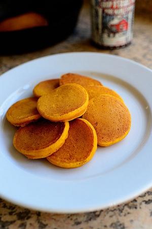 Halloween vui với pancake bí xốp mềm 6