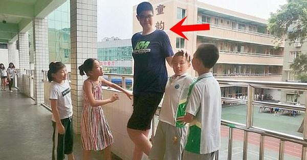 3 tuổi đã cao 1.60m, tròn 14 tuổi bé trai
