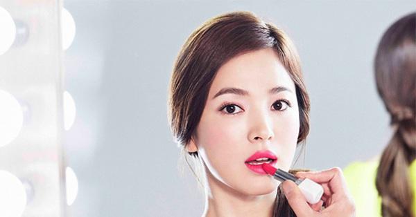 Nguyên nhân khiến Song Hye Kyo dù đã gần 40 tuổi lại vướng scandal trốn thuế và ly hôn vẫn được các