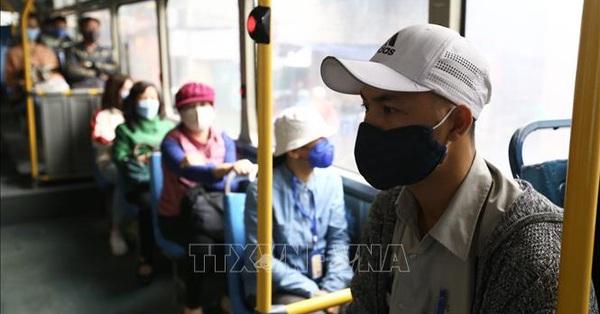 Bộ Giao thông Vận tải yêu cầu hành khách vẫn phải đeo khẩu trang trong suốt thời gian di chuyển