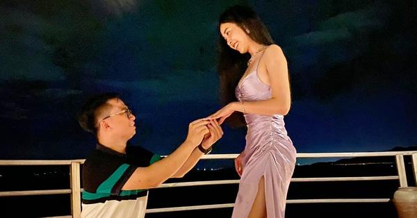 HOT: Á hậu Thúy An được bạn trai cầu hôn lãng mạn sau 3 năm hẹn hò kín tiếng, gần hết nhiệm kỳ đã có tin vui