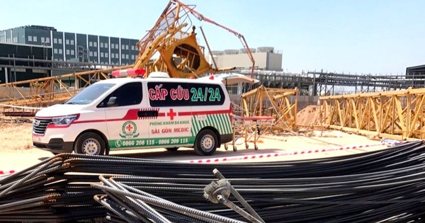 Bình Dương: Sập cần cẩu tháp công trình đang xây dựng, ít nhất 6 người thương vong