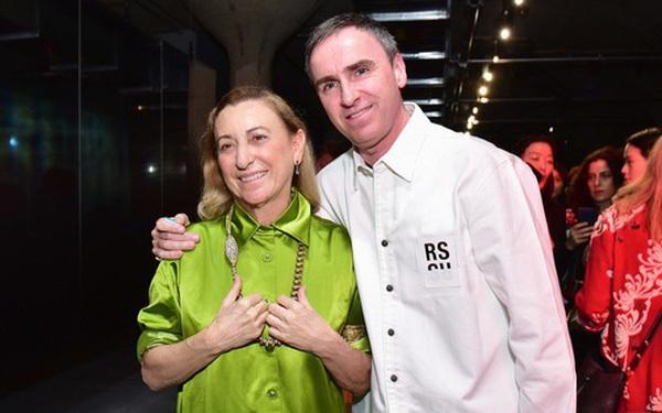 Raf Simons chính thức trở thành giám đốc sáng tạo của Prada, lập nên màn