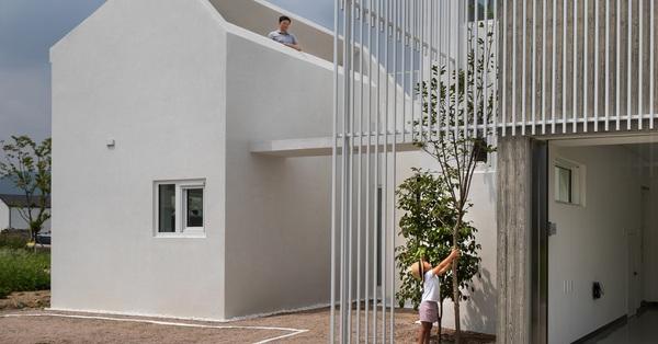 Ngôi nhà màu trắng ở Hàn Quốc với cách bố trí các khu vực chức năng khiến ai cũng ngạc nhiên vì quá tiện ích