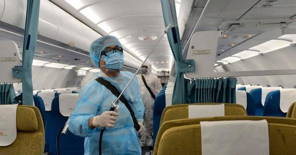 Bộ Y tế thông báo khẩn số 5 tìm hành khách trên 2 chuyến bay có người mắc COVID-19 là EK 394 và QR 976