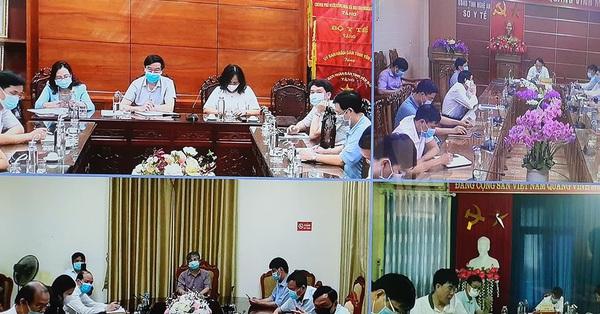 Bộ Y tế họp khẩn cấp với 300 điểm cầu sau khi xác định bệnh viện Bạch Mai có tới 16 trường hợp liên quan mắc COVID-19