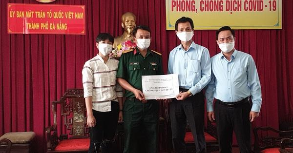 Hình ảnh đẹp: Công dân cách ly tại Đà Nẵng quyên góp ủng hộ quỹ phòng, chống dịch Covid-19