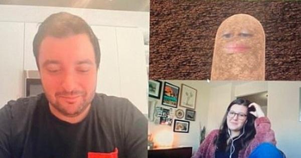Sếp nữ biến thành củ khoai tây giữa cuộc họp online khiến nhân viên cười như bị hấp