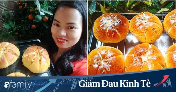 Thất nghiệp đúng mùa dịch, bà nội trợ Hà Nội ở nhà làm bánh mỳ bơ tỏi