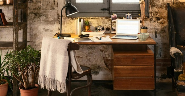 9 hướng dẫn bổ ích để biến bàn làm việc trở thành không gian lý tưởng cho chị em hăng say lao động