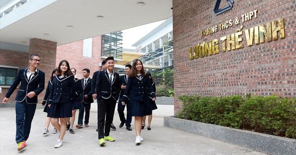 Tuyển sinh lớp 6 trường Lương Thế Vinh: Có 600 chỉ tiêu nhưng ngày đầu đã tới 3.000 hồ sơ đăng ký