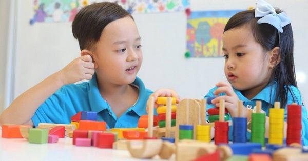 Muốn con đến tuổi đi học thông minh vượt trội, bố mẹ chỉ việc bày trò cho con chơi theo đúng công thức này