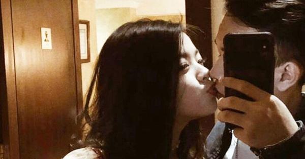 Con gái út 16 tuổi nhà nghệ sĩ Chiều Xuân gây choáng với màn khóa môi bạn trai tình tứ