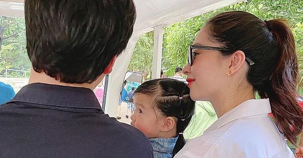 Hoa hậu Đặng Thu Thảo xuất hiện sau 1 tuần sinh con thứ 2