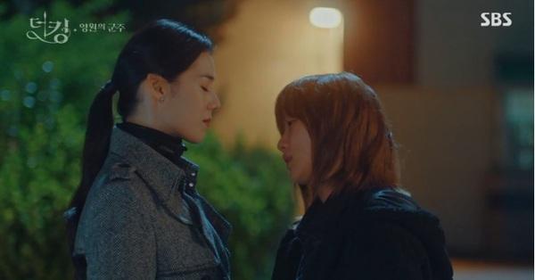 """""""Quân vương bất diệt"""" tập 7: Kim Go Eun đối đầu với nữ thủ tướng xinh đẹp, Lee Min Ho sẽ giải quyết thế nào?"""